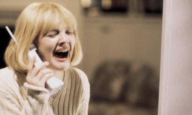 0e2e28b6150d IKONISK ROLLE  Drew Barrymore som hysteriske Casey som blir drept i den  store 90-