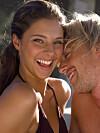 SMIL OG VÆR GLAD: Mas på jobben, og trafikkork på veien hjem. Er dette ting som lett gjør deg stresset og irritert? Da bør du begynne å smile mer. Forskere har nemlig funnet ut at å smile selv om du egentlig ikke er glad, kan gjøre deg i bedre humør og hjelpe mot stress. Foto: www.imagesource.com